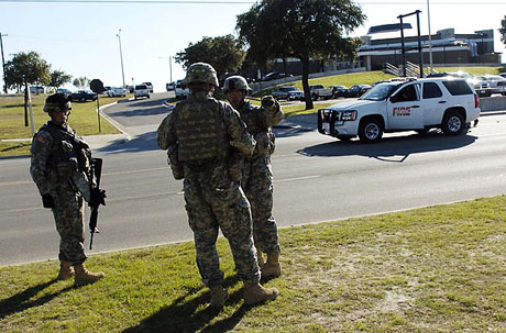ABD askerî üssünde çatışma: 12 ölü galerisi resim 21
