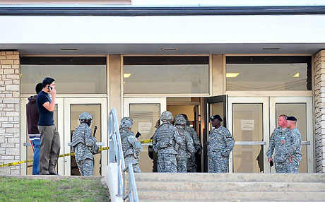 ABD askerî üssünde çatışma: 12 ölü galerisi resim 23