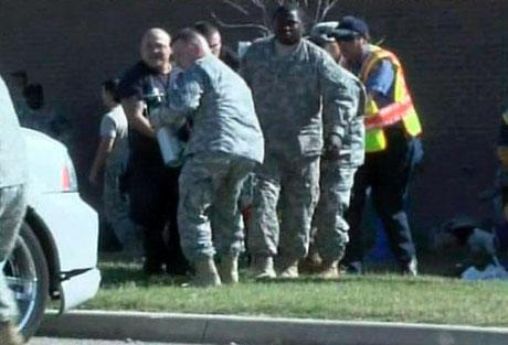 ABD askerî üssünde çatışma: 12 ölü galerisi resim 5