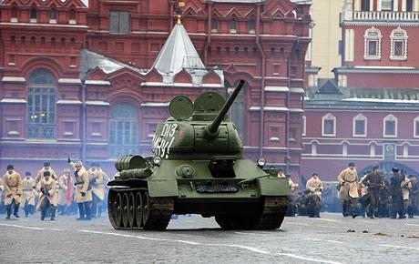 Rus tankları Kızıl Meydan'da! galerisi resim 13