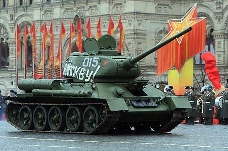 Rus tankları Kızıl Meydan'da! galerisi resim 4