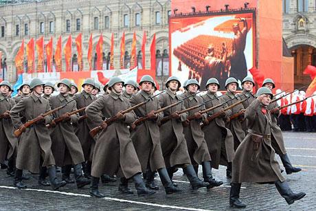 Rus tankları Kızıl Meydan'da! galerisi resim 6