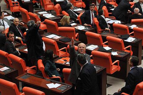 Meclis'teki tarihi günün fotoğrafları! galerisi resim 24
