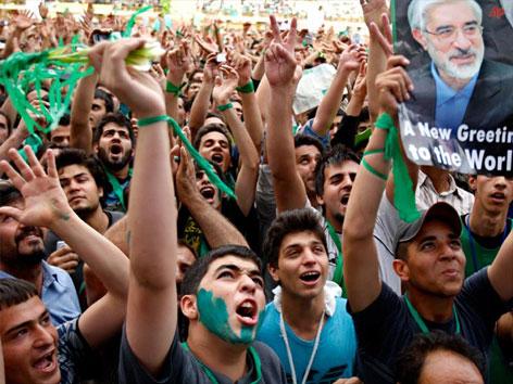 İran'da Seçim galerisi resim 3