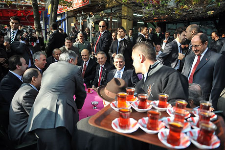 Cumhurbaşkanı halkla çay içti! galerisi resim 10