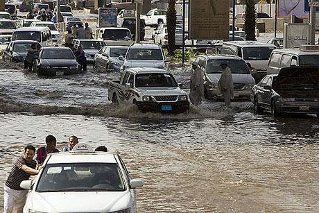 Suudi Arabistan sular altında: 77 ölü galerisi resim 4