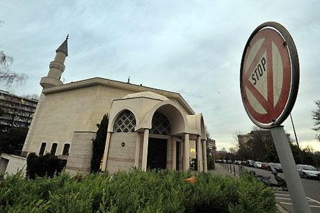 Fotoğraflarla minare yasağı galerisi resim 15