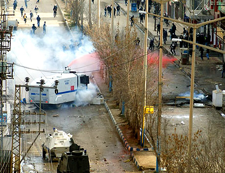 PKK'nın kuruluş gününde olaylar çıktı galerisi resim 41