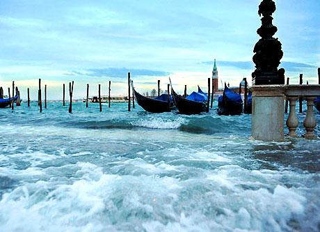 Venedik yine sular altında kaldı! galerisi resim 19