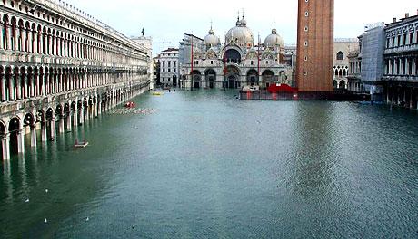 Venedik yine sular altında kaldı! galerisi resim 2