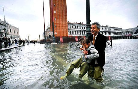 Venedik yine sular altında kaldı! galerisi resim 20
