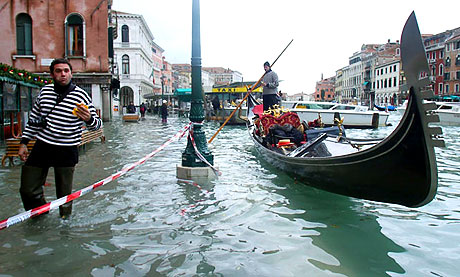 Venedik yine sular altında kaldı! galerisi resim 3