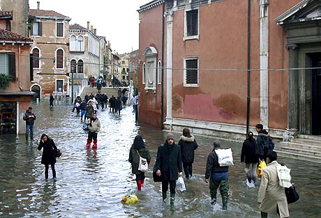 Venedik yine sular altında kaldı! galerisi resim 9
