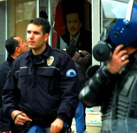 Diyarbakır Karıştı 1 Öğrenci Öldü galerisi resim 12