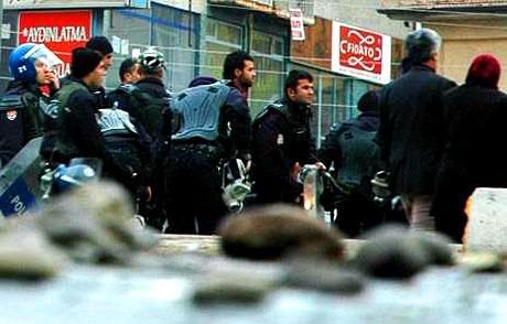 Diyarbakır Karıştı 1 Öğrenci Öldü galerisi resim 14