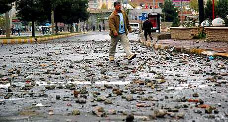 Diyarbakır Karıştı 1 Öğrenci Öldü galerisi resim 16