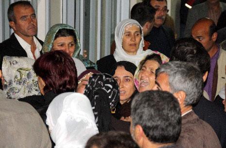 Diyarbakır Karıştı 1 Öğrenci Öldü galerisi resim 25