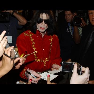 Micheal Jackson öldü galerisi resim 16