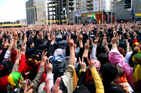 Yüksekova'da görkemli Newroz galerisi resim 25
