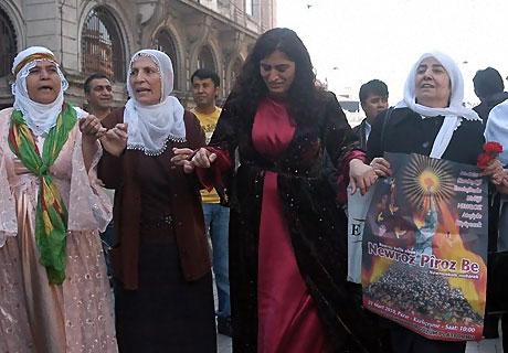 Diyarbakır'da Newroz ateşi yakıldı galerisi resim 44