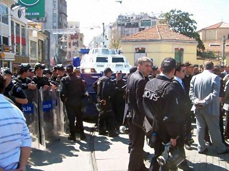 Taksim'de Binler Türk'e Saldırıyı kınadı galerisi resim 12