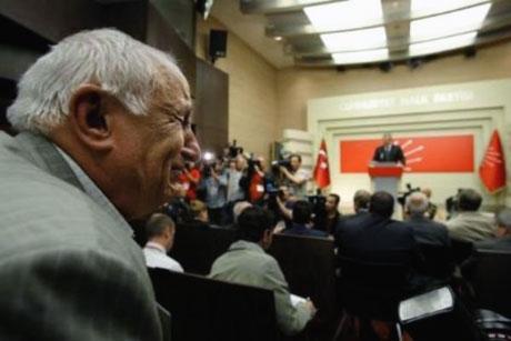 Baykal istifa etti, Partililer ağladı galerisi resim 14