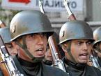 Asker Diyarbakır'da sloganlarla yürüdü