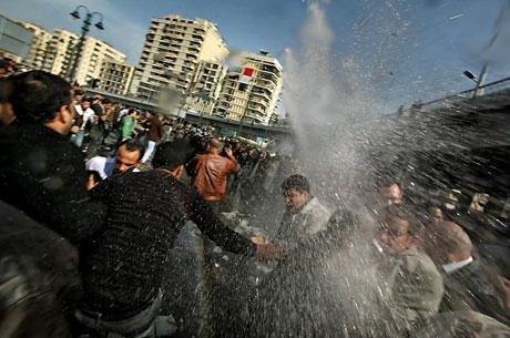 Mısır'da Mübarek iktidarı sallanıyor galerisi resim 7