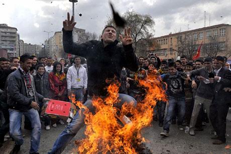 Tarihi 2011 Newroz'undan manzaralar galerisi resim 10