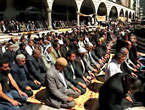 Diyarbakır'da 'sivil' Cuma namazı!