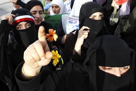 Suriye'de gösteriler büyüyor galerisi resim 14