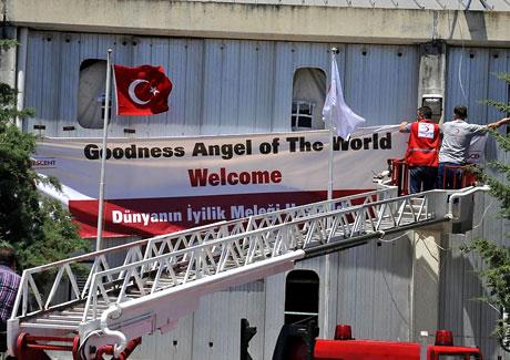 BM Elçisi Angelina Jolie Türkiye'de galerisi resim 1