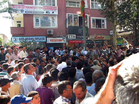 YSK'ya Diyarbakır ve Taksim'de protesto galerisi resim 38