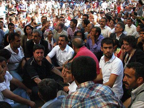 YSK'ya Diyarbakır ve Taksim'de protesto galerisi resim 7