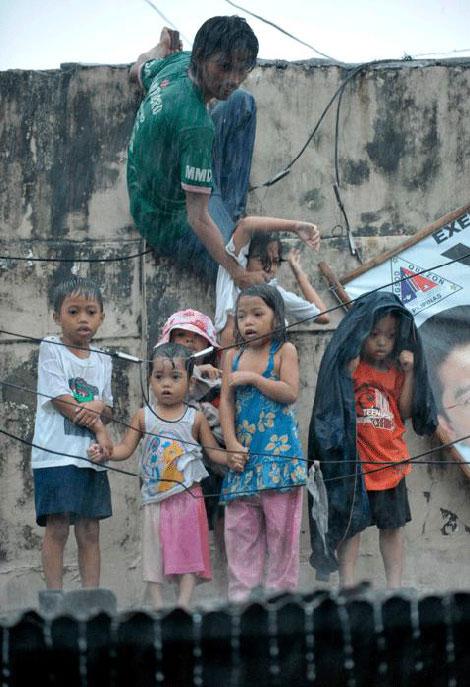 Filipinlerdeki Sel Felaketi galerisi resim 5