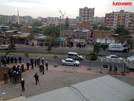 Diyarbakır'da BDP'li vekiller valiliği bastı! galerisi resim 1