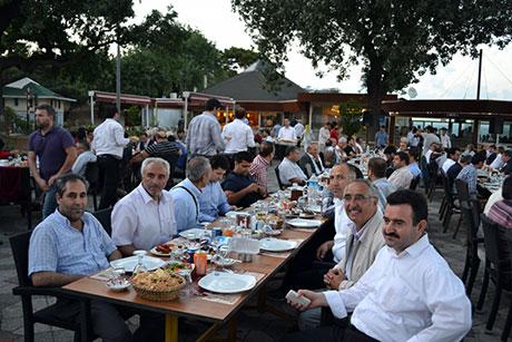 Nûbihar'ın iftar yemeğine büyük ilgi galerisi resim 33
