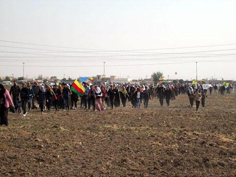 Nusaybin'de-Rojava'da duvar protesto edildi galerisi resim 37