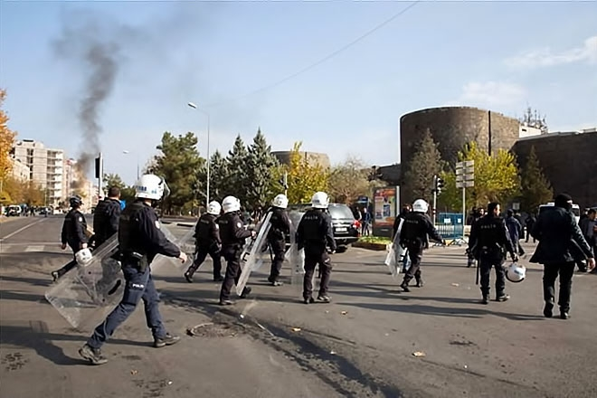 Diyarbakır'da 'Sur' protestosunda olaylar çıktı galerisi resim 28