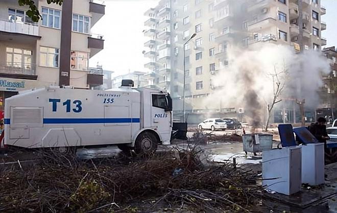 Diyarbakır'da 'Sur' protestosunda olaylar çıktı galerisi resim 41