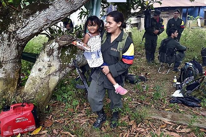 Kolombiyalı savaşçı anneler galerisi resim 19