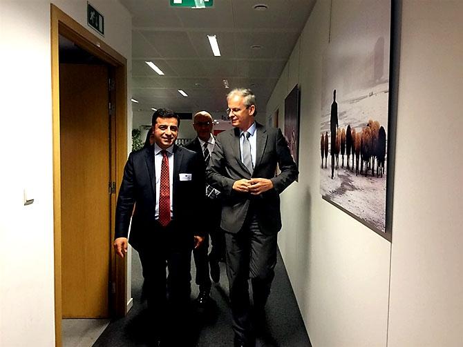 HDP heyeti AB yetkilileriyle görüştü galerisi resim 2