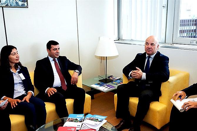 HDP heyeti AB yetkilileriyle görüştü galerisi resim 9