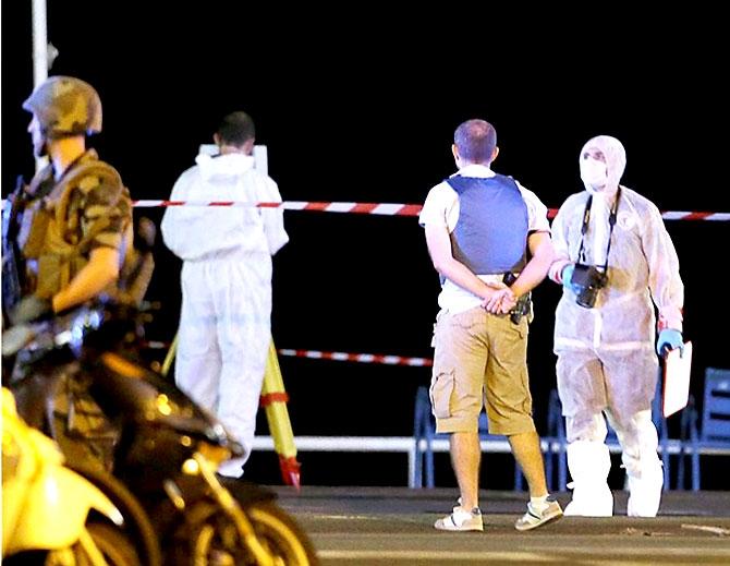 Fransa'daki terör saldırısından ilk kareler galerisi resim 18