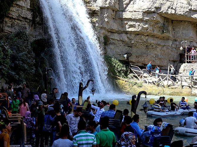 Bayramda binlerce turist Federal Kürdistan'a akın etti galerisi resim 18
