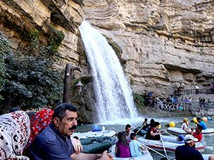 Bayramda binlerce turist Federal Kürdistan'a akın etti