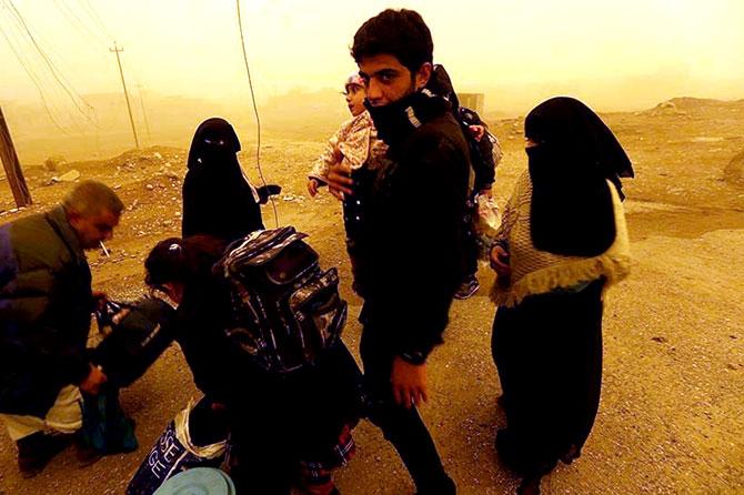 Kum fırtınasına rağmen Musul'dan kaçış galerisi resim 3