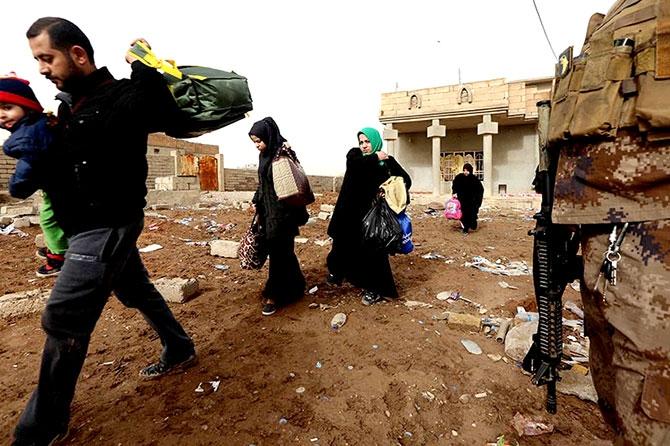 Kum fırtınasına rağmen Musul'dan kaçış galerisi resim 5