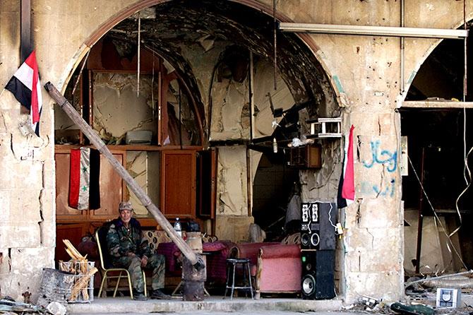 Suriye'nin Halep kentinden geriye kalanlar galerisi resim 13