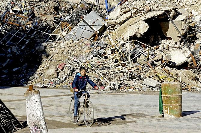 Suriye'nin Halep kentinden geriye kalanlar galerisi resim 18